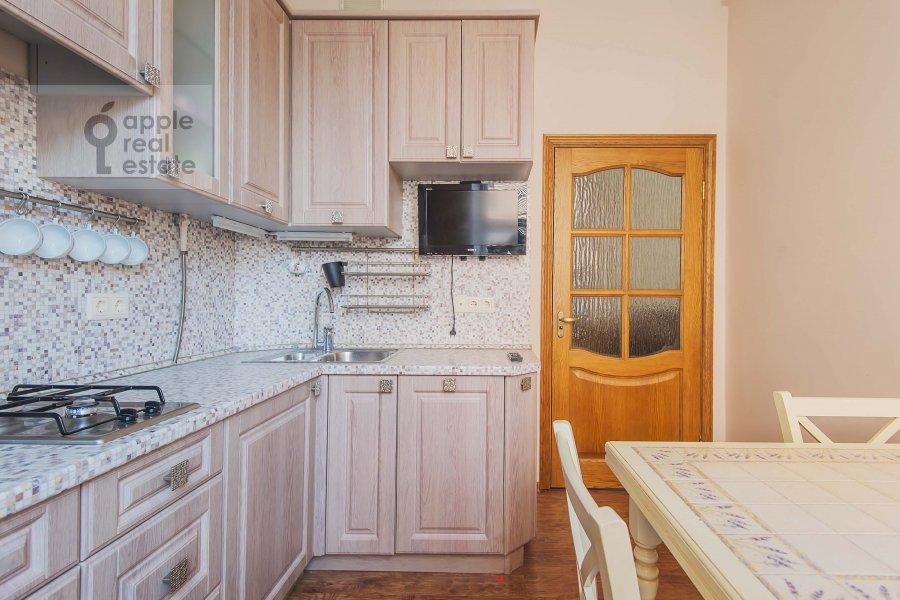 Kitchen of the 2-room apartment at 1-ya Tverskaya-Yamskaya ulitsa 12
