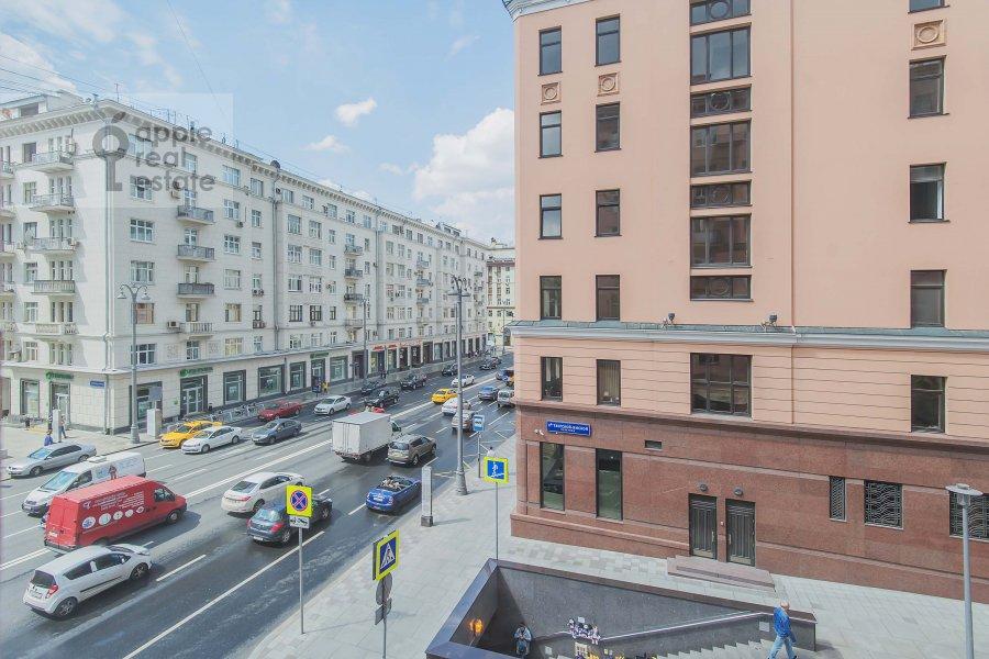 View from the window of the 2-room apartment at 1-ya Tverskaya-Yamskaya ulitsa 12