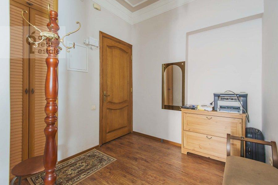 Corridor of the 2-room apartment at 1-ya Tverskaya-Yamskaya ulitsa 12