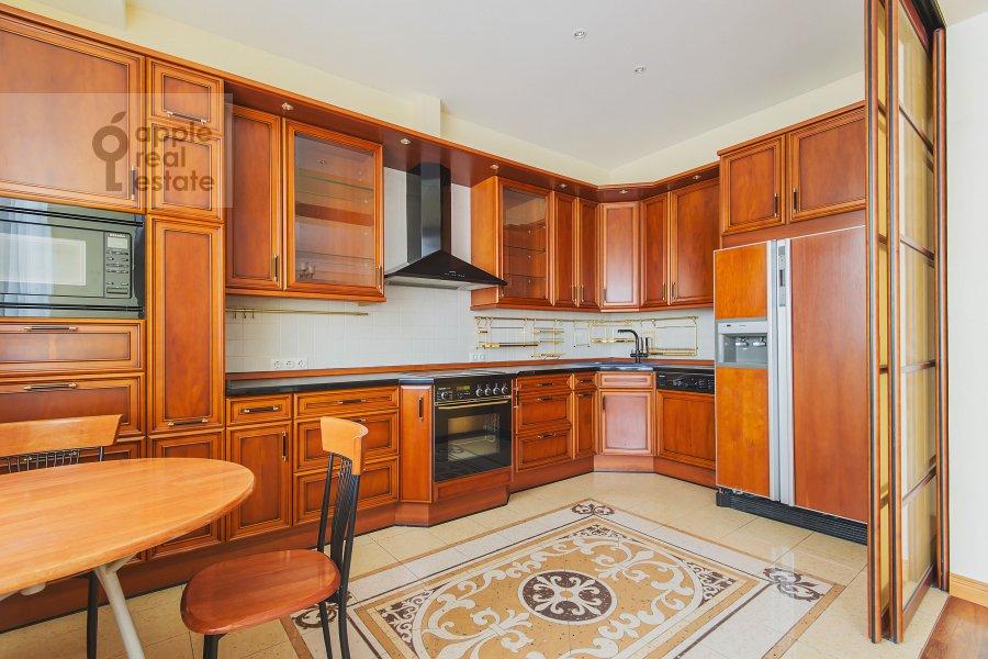Kitchen of the 4-room apartment at Bronnaya Malaya ul. 25