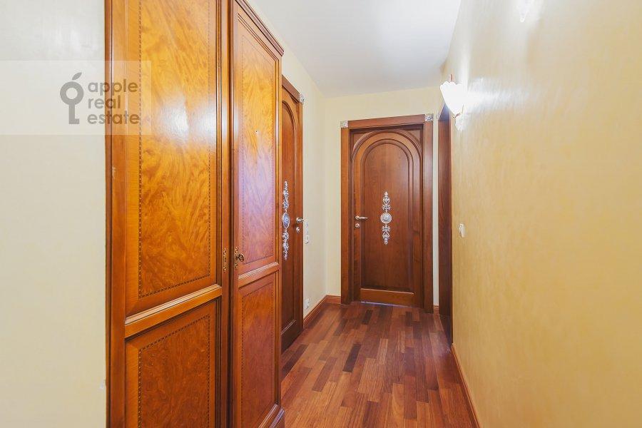 Corridor of the 4-room apartment at Bronnaya Malaya ul. 25