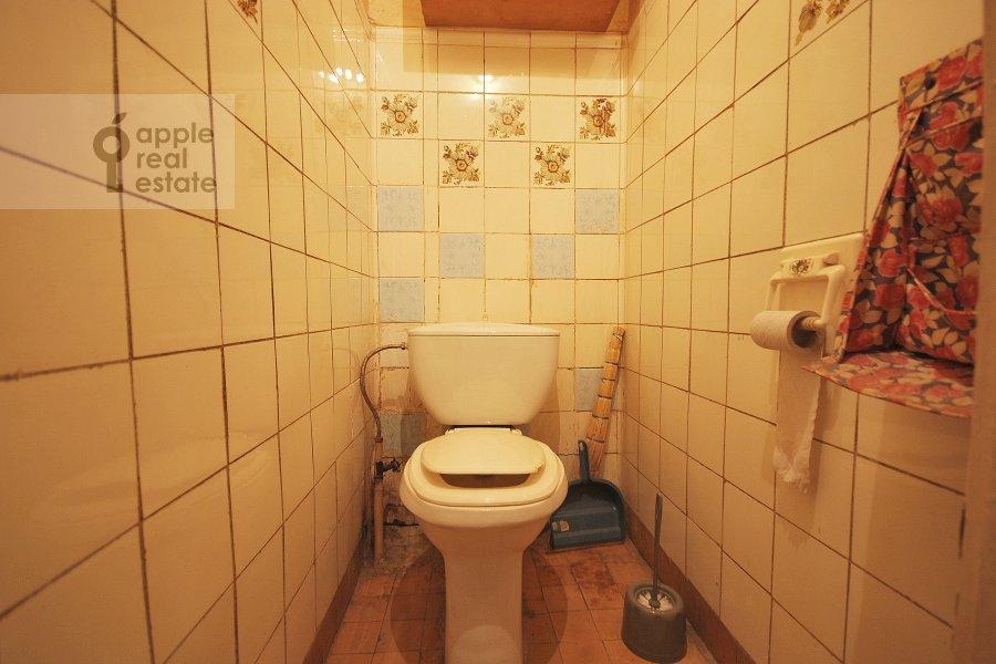 Санузел в 2-комнатной квартире по адресу Константина Симонова ул. 8