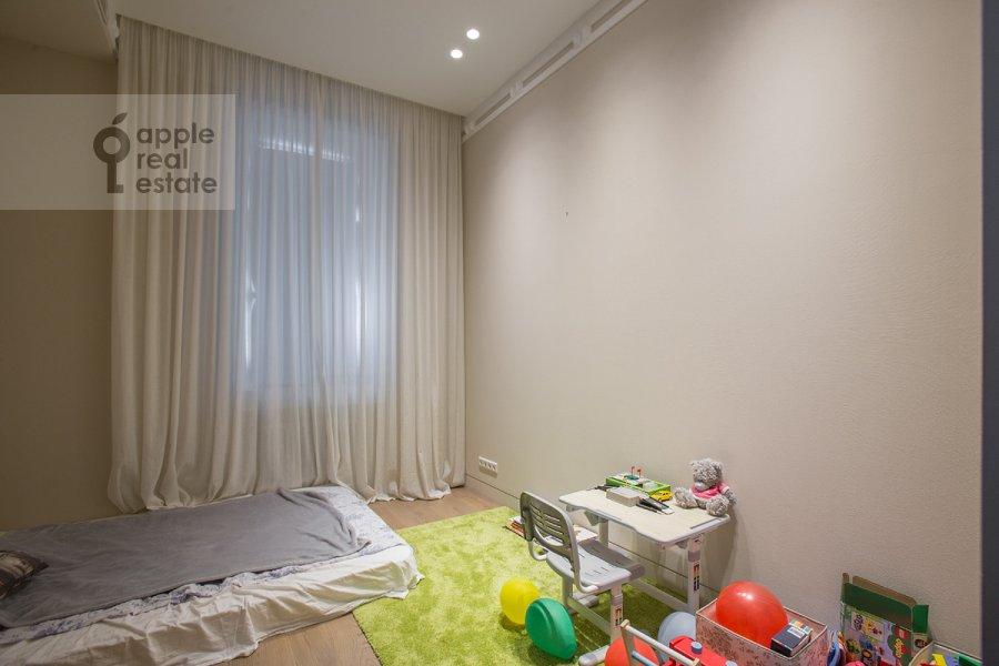 Детская комната / Кабинет в 3-комнатной квартире по адресу Пречистенка ул. 25