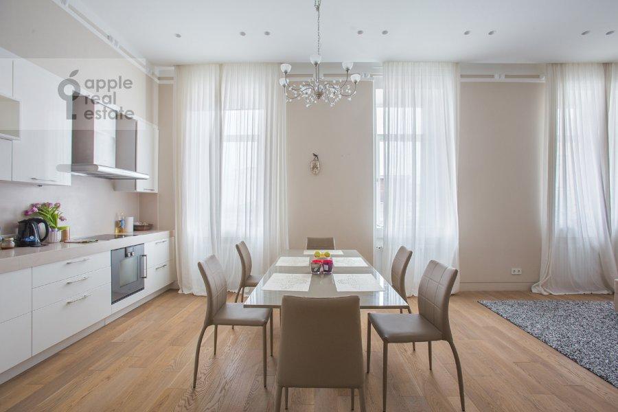 Кухня в 3-комнатной квартире по адресу Пречистенка ул. 25