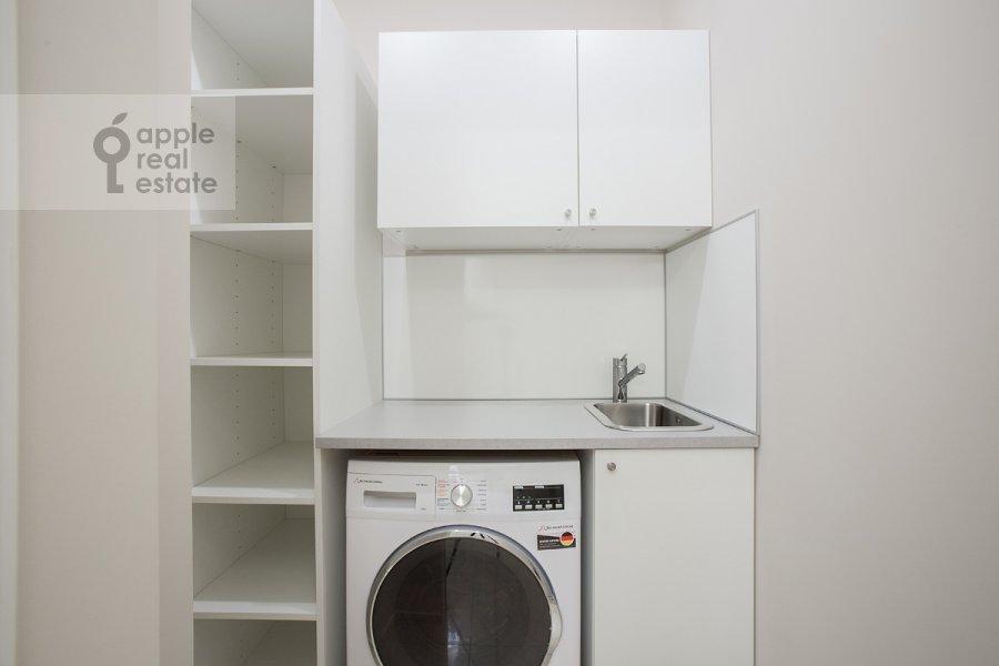 Walk-in closet / Laundry room / Storage room of the 3-room apartment at Bogoslovskiy per. 12A