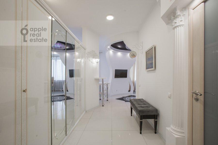 Corridor of the studio apartment at Ramenki ul. 20