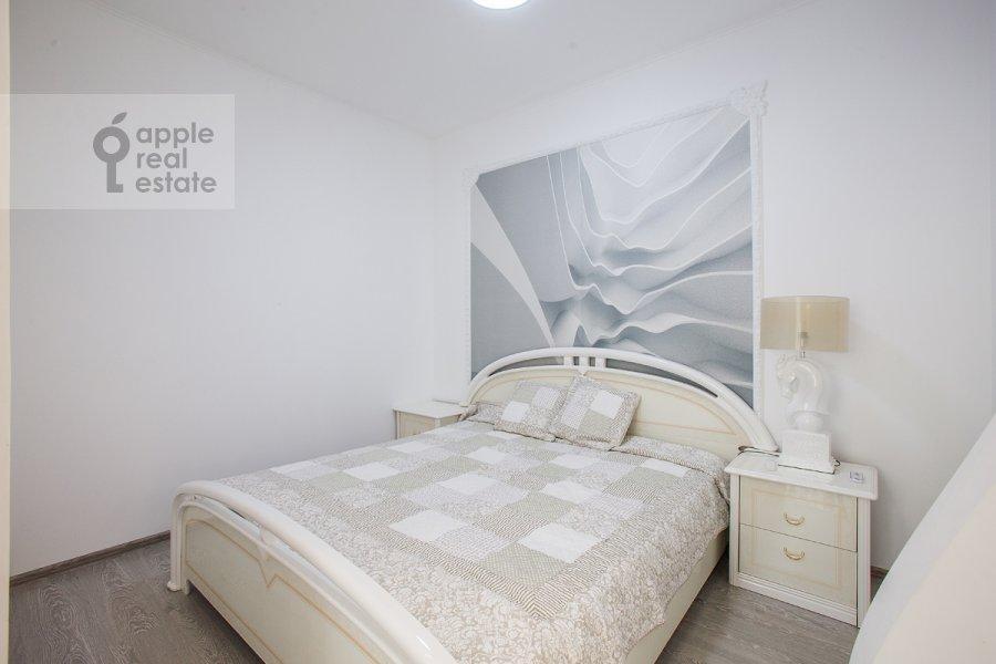 Bedroom of the studio apartment at Ramenki ul. 20