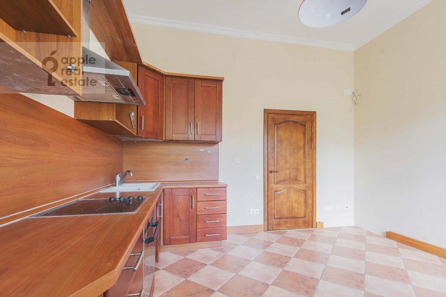 Kitchen of the 3-room apartment at Novinskiy bul'var 28/35s1