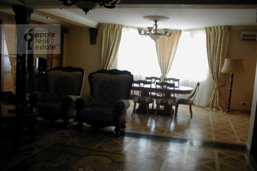 Кухня в 3-комнатной квартире по адресу Зоологическая ул. 22