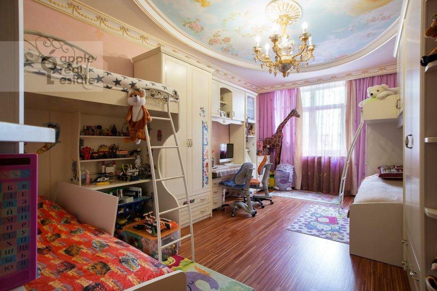 Children's room / Cabinet of the 6-room apartment at Aviatsionnaya ul. 79