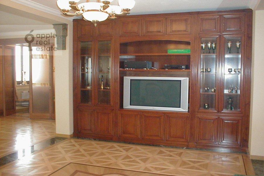 Гостиная в 3-комнатной квартире по адресу Зоологическая ул. 22